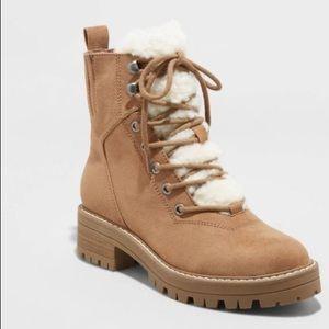 Universal Thread Tessie Sherpa laceup fashion boot